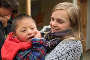 Martina Kaser bei Freiwilligenarbeit in Peru